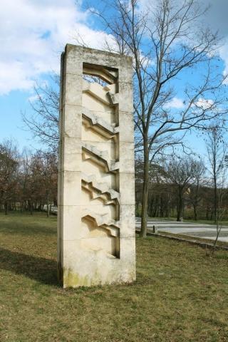 Gualtiero Mocenni, L'arco di trionfo improbabile / Neizvediv slavoluk pobjede, 1987.