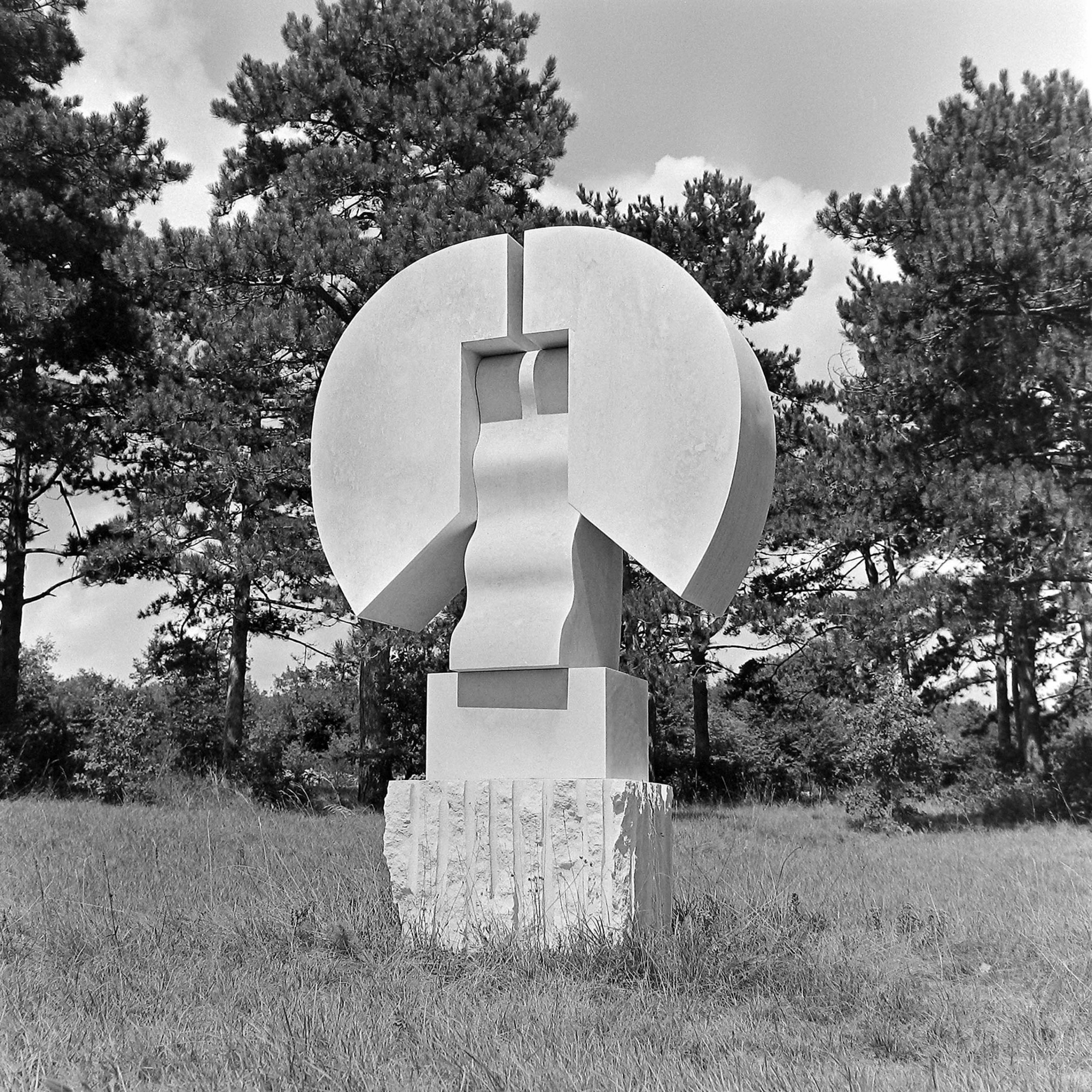 Oto Logo, Totem, 1974